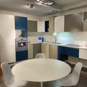 Cucina Space ad angolo di GD Arredamenti